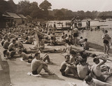 Record crowd of the year at the Serpentine Lido, 20 August 1939.