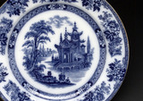 Willow pattern plate, 19th century.