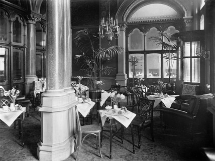 The lounge of the Midland Grand Hotel at St Pancras Station, London, 1912.