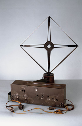 Western Electric 7-valve 'superhet' heterodyne radio receiver, 1924.
