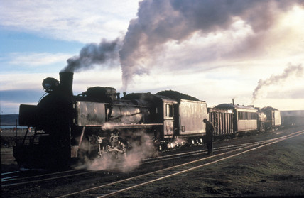 Two 2-10-2 steam locomotives of the RFIRT