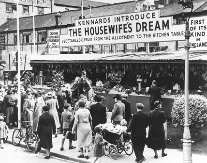 'The Housewife's Dream' market, Croydon, World War Two, 9 August 1941.