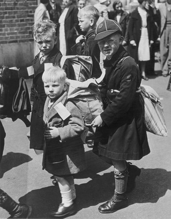 Children leave for a safer place, London, 1940.