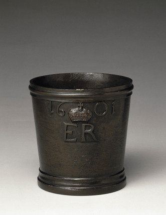 Bronze Exchequer Standard Winchester Quart measure, 1601.