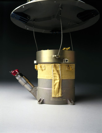 Descent Control Sub-System (DCs) of the Huygens probe, 1997.