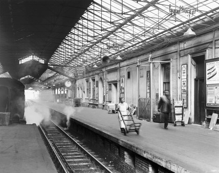 Platform 9, showing the The Royal Scot bar, Euston Station, London, 4 April 1963.