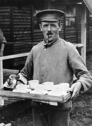 British soldier taking five o'clock tea to his comrades, 1914-1918.