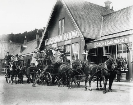 Horse-drawn Charabanc, Callander Station, Stirling, Scotland, c 1905.