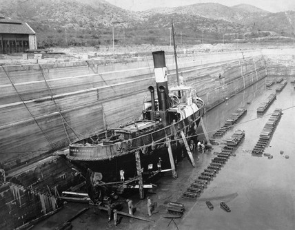 The tug 'Ramon Corral', Salina Cruz, Mexico, 1909.