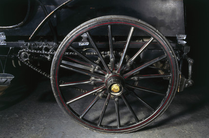 Left rear wheel of  Panhard-Levasor 4 hp motor car, 1894.