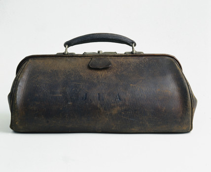 Leather doctor's bag, English, 1890-1930.