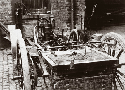 Chasis of a 6 hp Panhard motor car, 1898.