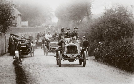 Completion of the 1000 Mile Trial, London, 1900.