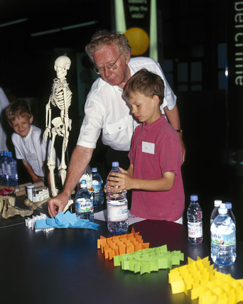 Demonstration of 'bio-glas' at the Science Museum, 2001.