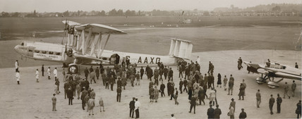 HP42 G-AAXC 'Heracles' receives a warm welcome, London, 30 Sept 1932.