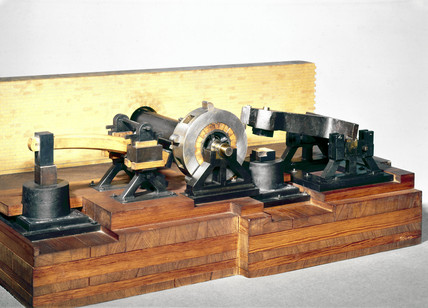 Model of tilt and lift hammers, 1804.