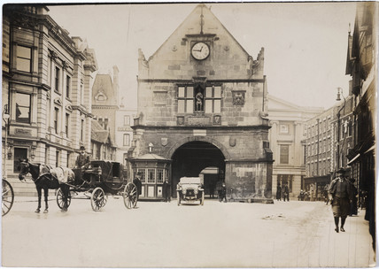 Vehicle parked in The Square, Shrewsbury, Shropshire, c 1912.