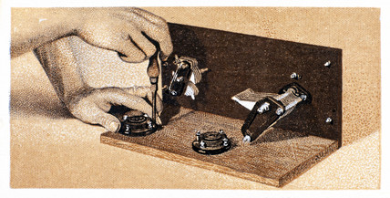 'How to build a two valve set', No 12, Godfrey Philips cigarette card, 1925.