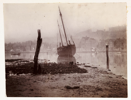 Low tide, Whitby Harbour, North Yorkshire, c 1905.