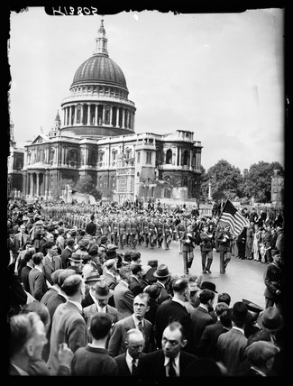 American troops marching through London, 1942.