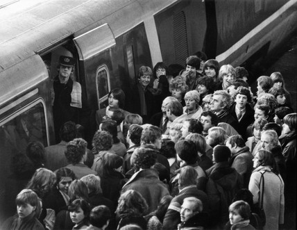 APT passengers travelling north stranded in  south, 11 December 1981.