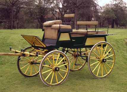 Four-wheeled dog cart, late 19th century.