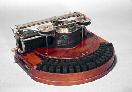 Hammond Ideal typewriter, 1884.