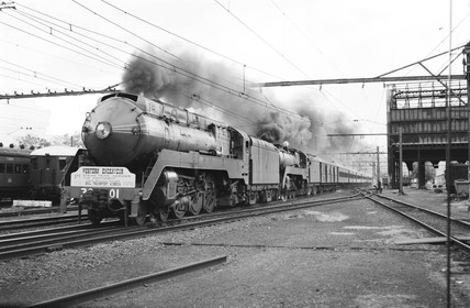 Western Endeavour Express at Penrith, New South Wales, Australia, 1970.