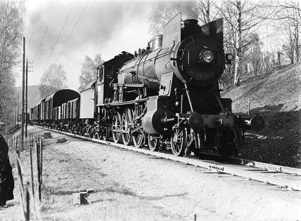 Class 30b locomotive at Lillehammer, Norway, 1954.