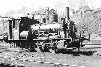 Class 25E locomotive at Oslo, Norway, 1954.