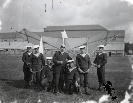 Samuel Cody instructing sailors how to handle 'Cody Kites', 1906-1907.