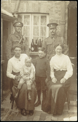 Family portrait, 1914-1918.