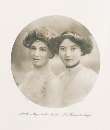 Mrs Paris Singer and her daughter Miss Winnaretta Singer, 1909.