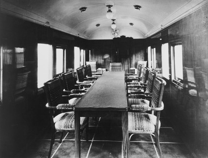 Winston Churchills dining car.