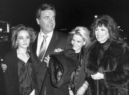 Robert Wagner and family, December 1986.