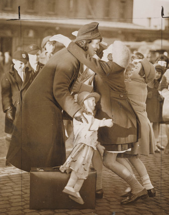 Cheap rail fares for mothers to visit their evacuated children, London, 1939.
