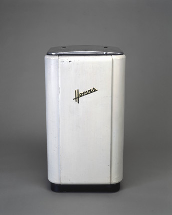 Hoover washing machine with wringer, 1948.
