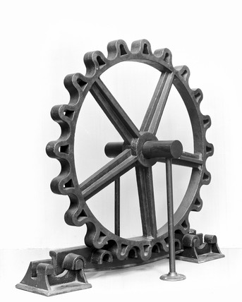 Blenkinsop rack wheel with two rack rails and two chairs, 1813.