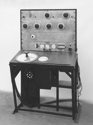 Mobile receiver, type RM1, 1937.