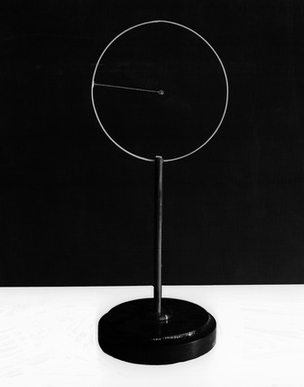 Model of an hydrogen atom according to the