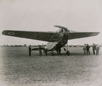 DH 29 Doncaster 12 seater cantilever monoplane built by De Havilland for the Air Ministry Dept of Research fitted with 450 HP Napier engine, 1922