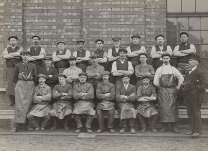 Workers at Doncaster works, South Yorkshire, c 1916.