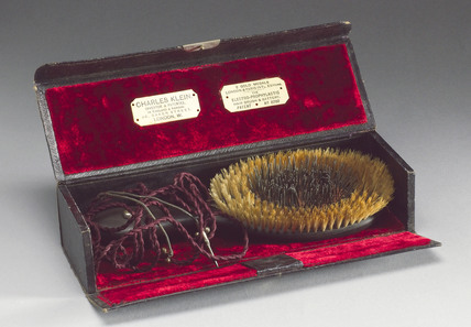 Klein's electric hairbrush, late 1890s.