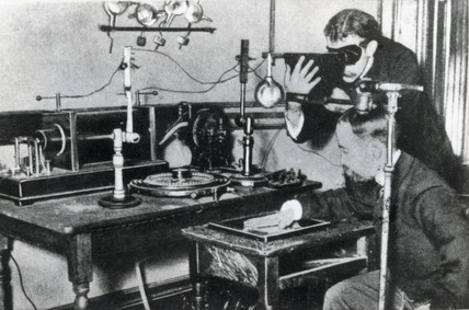 X-ray experiment, late 19th-early 20th century.