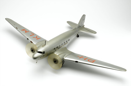 Model of Douglas DC-3 airliner, scale approximately 1:36.
