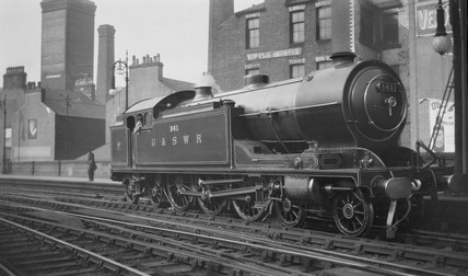 G&SWR steam locomotive at Glasgow St Enoch, c 1910s-1920s.