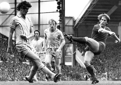 Kenny Dalglish shoots, 16 September 1978.