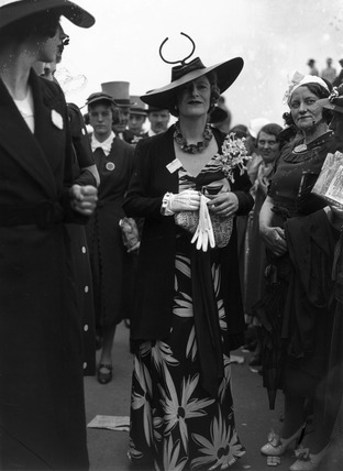 Fashions at the Royal Ascot Races, Berkshire, 15 June 1938.