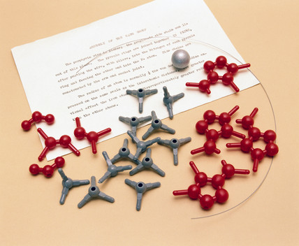 Nicholson molecular models with instruction leaflets, 1981.