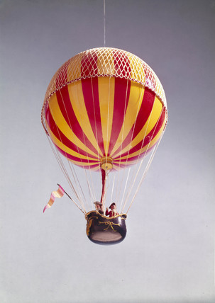 First manned (free flight) ascent of a hydrogen balloon, 1st December, 1783.